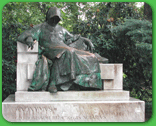 [ Statue of Anonymus in the City Park ]